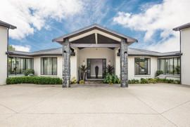 Picture perfect home in Drury, Auckland, New Zealand   http://www.barfoot.co.nz/518078 #barfootthompson #entrance