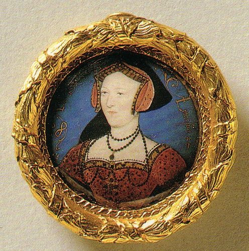 A Miniature of Queen Jane Seymour    This was painted by Queen Elizabeth I's court painter, Nicholas Hilliard, in the late 1500s.