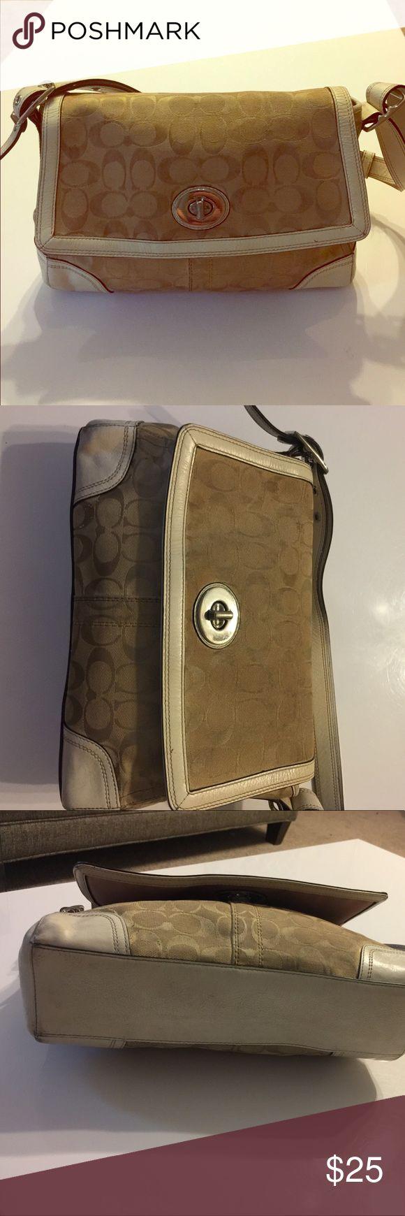 Coach purse Coach purse. Needs to be cleaned. Coach Bags