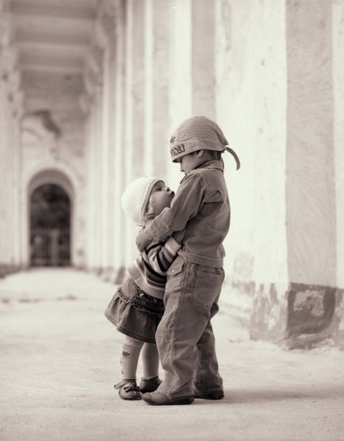 Abrazo de niños