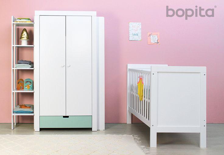17 beste idee n over babykamer meubelen op pinterest wiegen baby meubilair en babykamer opslag - Kleur voor baby boy kamer ...