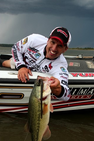 Bassmaster Elite Pro Edwin Evers Check out the article featuring Evers http://www.bradwiegmann.com/bass-professionals/bass-professionals/931-bass-tournament-winning-jig-and-plastic-combos.html#