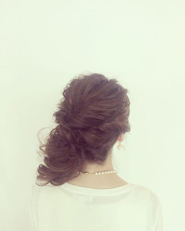 'Today's hair arrangement by me Up do. ¥4320  刺激がほしい毎日🤷🏻♂️🤷🏼♀️ #shorthair #ショートヘア#mediumhair #ミディアムヘア  #ローポニー#結婚式 #後れ毛アレンジ #hairarrange #ヘアアレンジ  #ウェディング#wedding #yokohama  #横浜 #美容室 #美容院 #hair  #hairsalon #アシスタント #バックカチューシャ #ヘアアクセサリー #あみこみ #編み込み #編み込みアレンジ#ねじり編み #なみなみウェーブ ##ゆるふわ#like4like #l4l' by @mxho.n_n.9.  #bridesmaid #невеста #parties #catering #venues #entertainment #eventstyling #bridalmakeup #couture #bridalhair #bridalstyle #weddinghair #プレ花嫁 #bridalgown #brides #engagement…