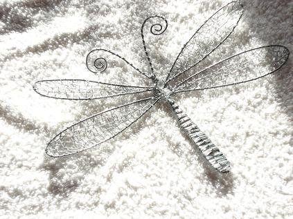 Rautalankaa sudenkorento. Strömsö,fi.