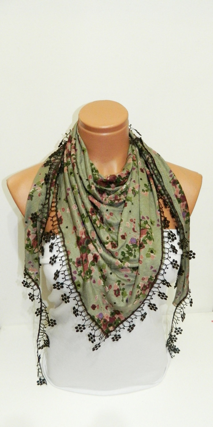 love this scarf .