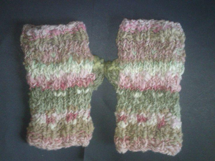 fingerless gloves wrist warmers 100% hand spun merino wool natural solar dye sml #iskapie #FingerlessGloves