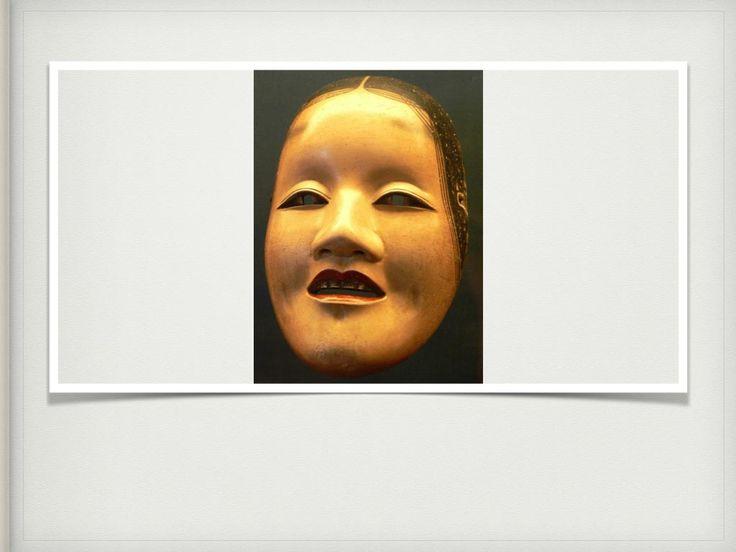 Las máscaras tienen varios significados en las culturas, definen personajes, ocultan identidades, reflejan emociones y son utilizadas en diferentes ritos y celebraciones.  Los artistas creadores de éstas máscaras cumplen con una función social en su comunidad, considero que su valor estético reside ahí, más no en el valor propio de su creador al considerarla como suya, sino que es para la participación de la comunidad