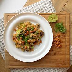 khao pad kai: gebakken rijst met groenten en kip | Goodfoodlove