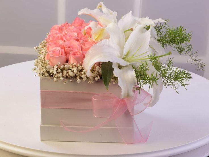 """Özel Kutuda Pembe Güller ve Lilyumlar AR0107 Sevdikleriniz için özenle hazırlanmış çiçekler """"Özel Kutuda Pembe Güller ve Lilyumlar"""" ** Aynı Gün Teslimat ** En Uygun Fiyat https://www.ciceknet.com/cicek/AR0107 #çiçekgönder #çiçeksiparişi"""
