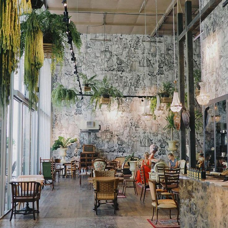 Apart from sandy white beaches and idyllic resort life, check out 12 of Hua Hin's amazing restaurants and cafes for you sit at, and to watch the world go by.