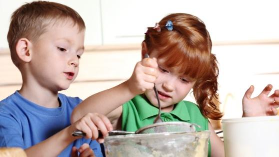 Kirstie Allsopp Dinosaur Cake - www.persil.co.uk