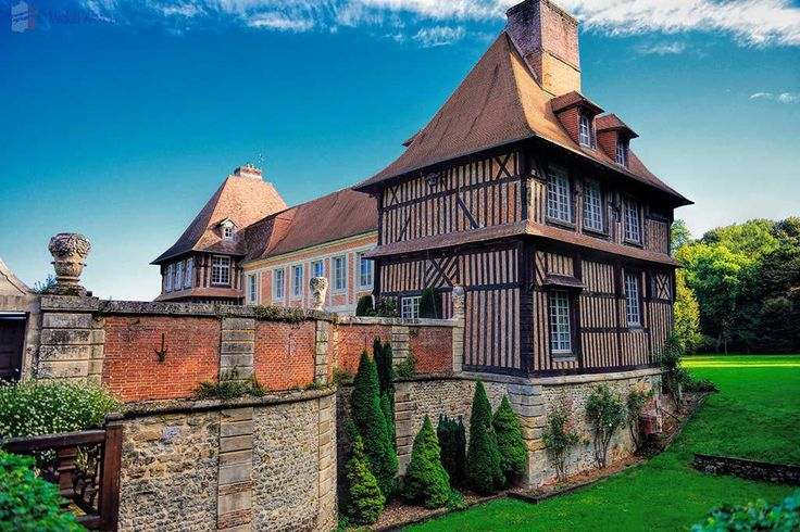 Le Breuil-en-Auge – Chateau du Breuil and Calvados Distillery – Travel Information and Tips for France