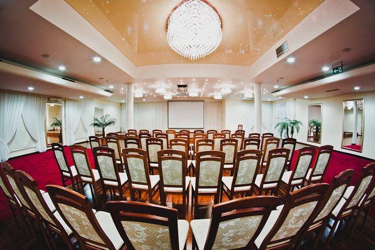 Wykład, szkolenie, konferencja? Kilka ekskluzywnych sal konferencyjnych w dowolnym układzie, wysoka elastyczność, możliwość łączenia z pakietami i wieloma atrakcjami. #conference #boardroom #lesserpoland