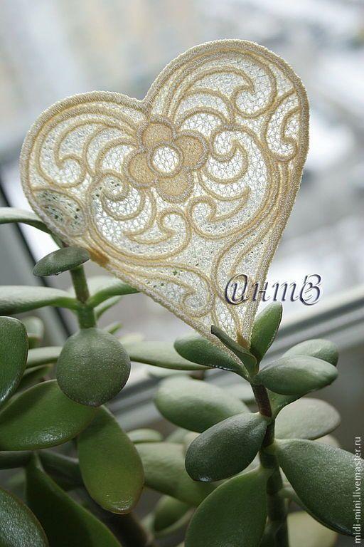Купить вышивка, кружево, аппликация ажурная, кружевное сердце - вышивка шелковыми нитками, белый свадебный