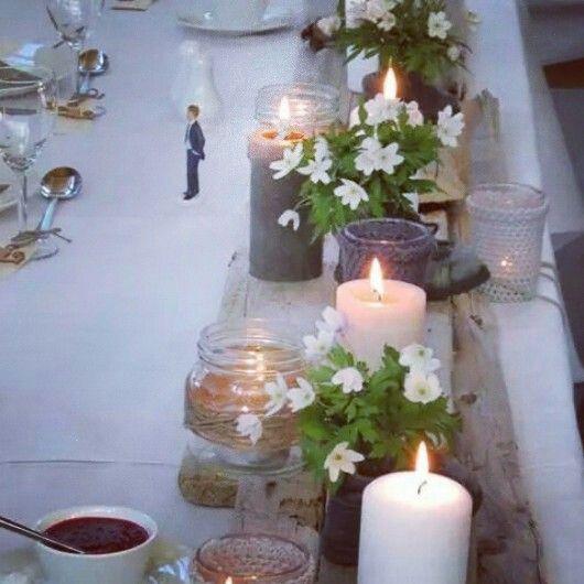 Rustikk borddekor med drivved, norgesglass, gamle barnesko og kubbelys