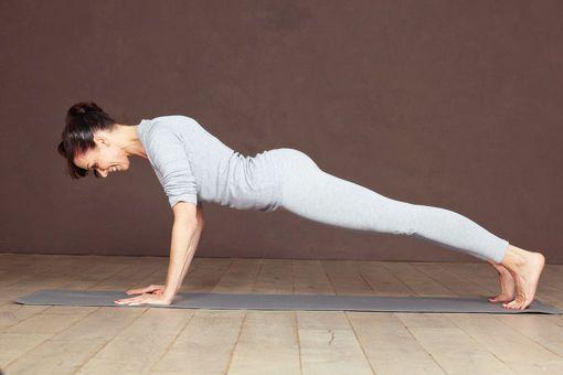 8 Yoga-Übungen Schritt-für-Schritt erklärt – Sandra Geiser