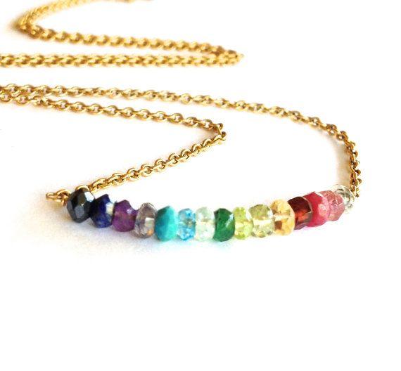Collana arcobaleno. Arcobaleno collana di pietre preziose con