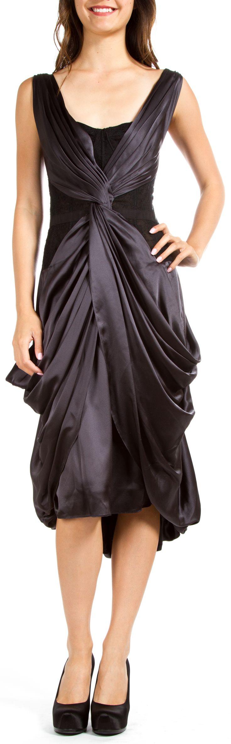 Monique Lhuillier  Dress @Michelle Coleman-HERS