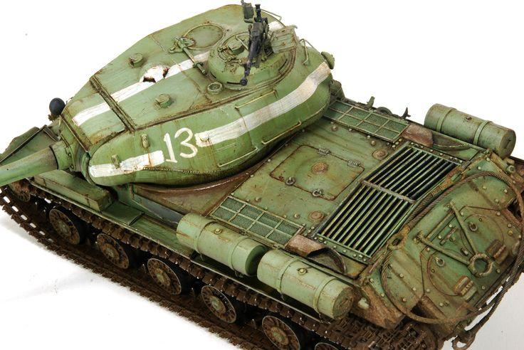 IS-2 1/35 Scale Model