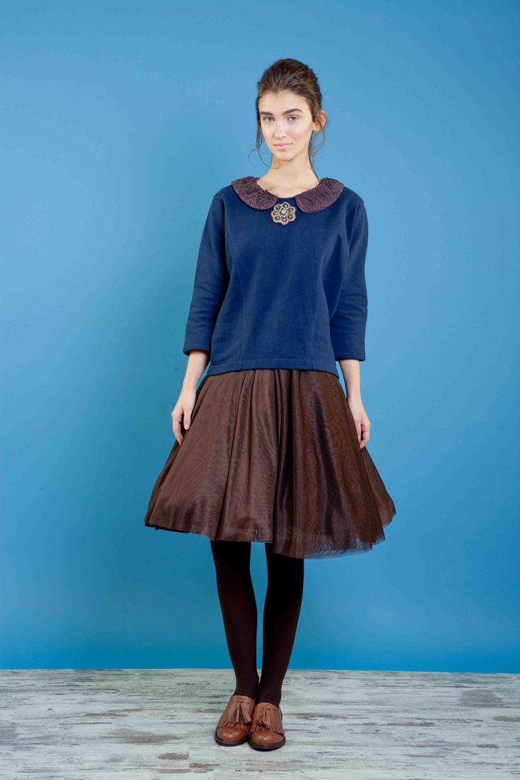 Felpa con colletto ricamato, gonna in tulle multistrato. #bonton #princesse #metropolitaine #fashion #fleece #embroidery #skirt