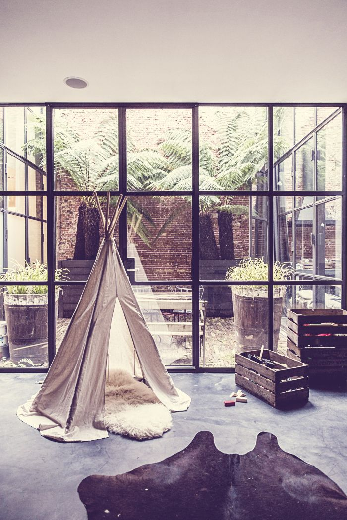 Amsterdam - A former warehouse renovated into loft by it's owner, the interior designer Marius Haverkamp