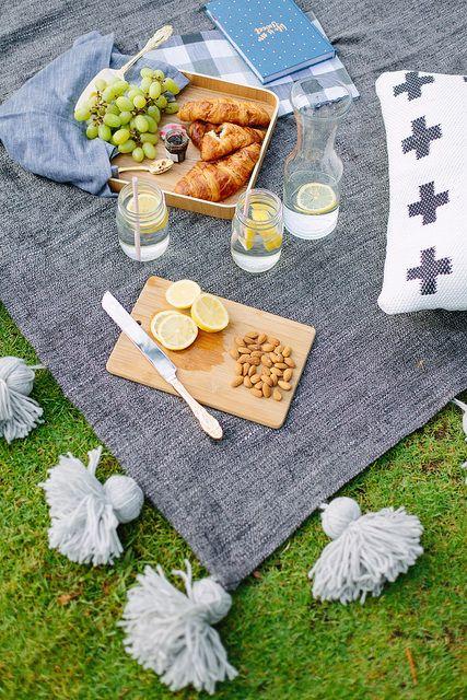 Relooker une couverture de pique-nique avec des pompons