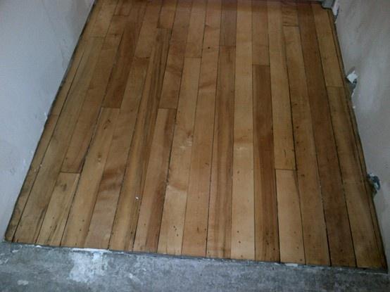(mars 2013) Les planchers de bois franc ont été vernis dans le nouveau centre d'apprentissage