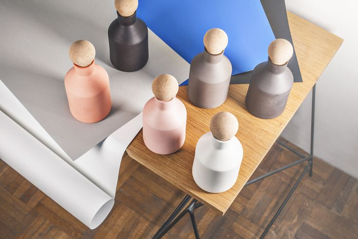 The Gradient bottle resembles the shape of a cone or historical milk containers. Simple lines bring out the pastel shades and matte finish. Seven shades of grey, pinks?? And oranges?? The hand turned cork safely closes the bottle. The bottle is glazed inside so it is suitable for all kinds of liquids. Design by Marketa Drzmiskova. www.drzmiskova.cz