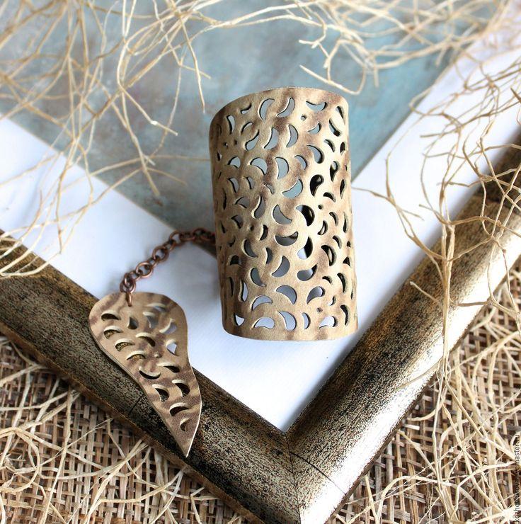Купить Кожаный браслет Саванна IV - Елена Кожевникова, бежевый, кожаный браслет, тигровый принт, браслет кожаный