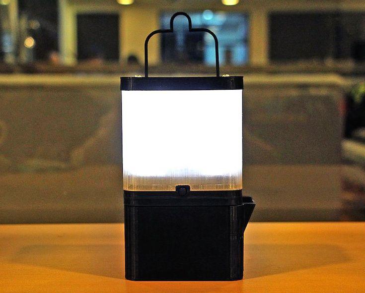 SALt. Una lámpara que funciona 8 horas con un solo vaso de agua salada.