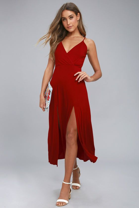Take the Time to Tango Red Midi Dress out for a twirl! Soft jersey knit shapes this simple-yet-sexy midi dress with adjustable straps, a surplice bodice, and midi skirt with twin slits at front.