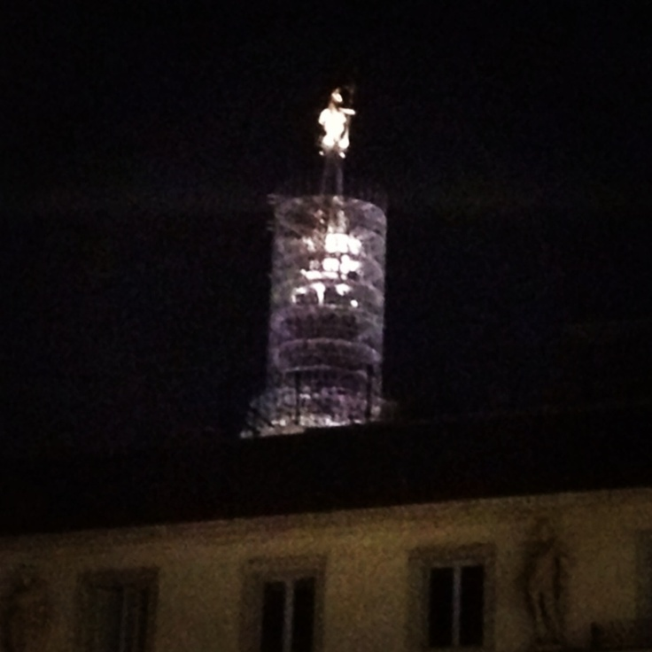 24. up #marchphotoaday #night #Duomo #Milan #Madunina