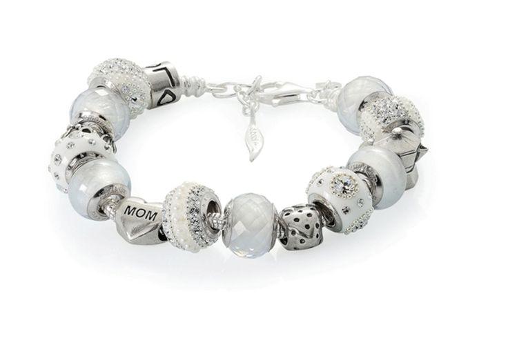 Amore & Baci total white beaded bracelet #silver #fashion #jewelry #beads #swarovski
