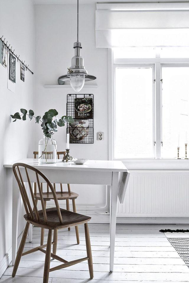 Fresh and white kitchen