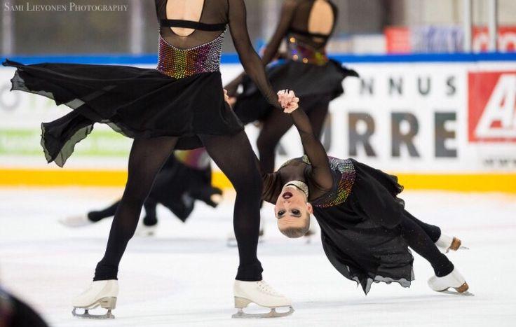 (C) Sami Lievonen   http://samilievonen.kuvat.fi/kuvat/Sports/Synchronized+Skating/Season+2015-2016/Sm+1.+Valintakilpailu+7-8.11.2015/Vapaaohjelma/Seniorit/Team+Unique/