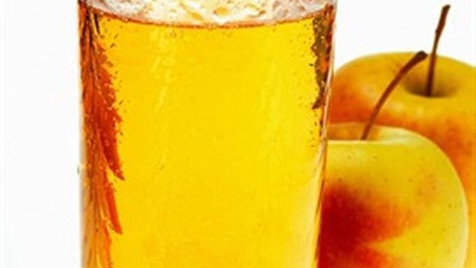 Instead of spending big bucks for fresh, healthy apple juice, learn how easy it is to make your own.