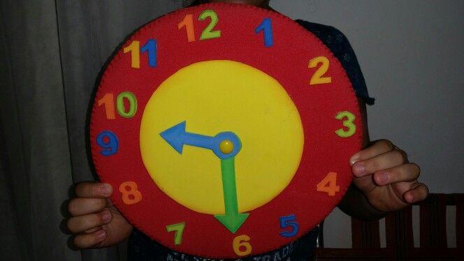 Reloj en foami