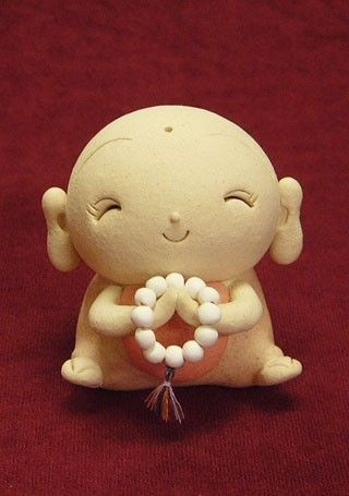 Warfabe | What is a #Jizo statue? Jizo (Jizo Bosatsu) is a Buddhist bodhisattva who travels through six trans-migratory worlds on foot, and saves and comforts us. It is often Afound at the roadside as six Jizos, and it has been part of the Japanese landscape since ancient times. It is said that if you make a wish to a Jizo, (e.g. to be cured of a disease, to have a baby, to live long etc) your wish will be granted