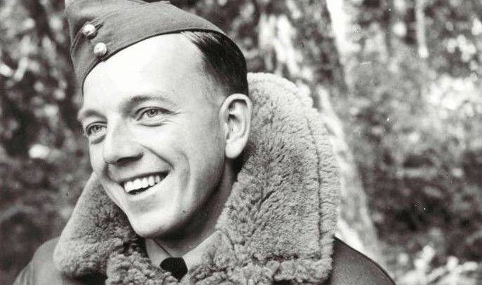 Sgt Denis N Robinson was posted to No 152 Squadron RAF at RAF Acklington on 21 June 1940. The 22-year-old pilot destroyed an Me 109 on 25 July, another on 5 and 15 August, a Ju 87 on 17 August and a Ju 88 on 4 September.