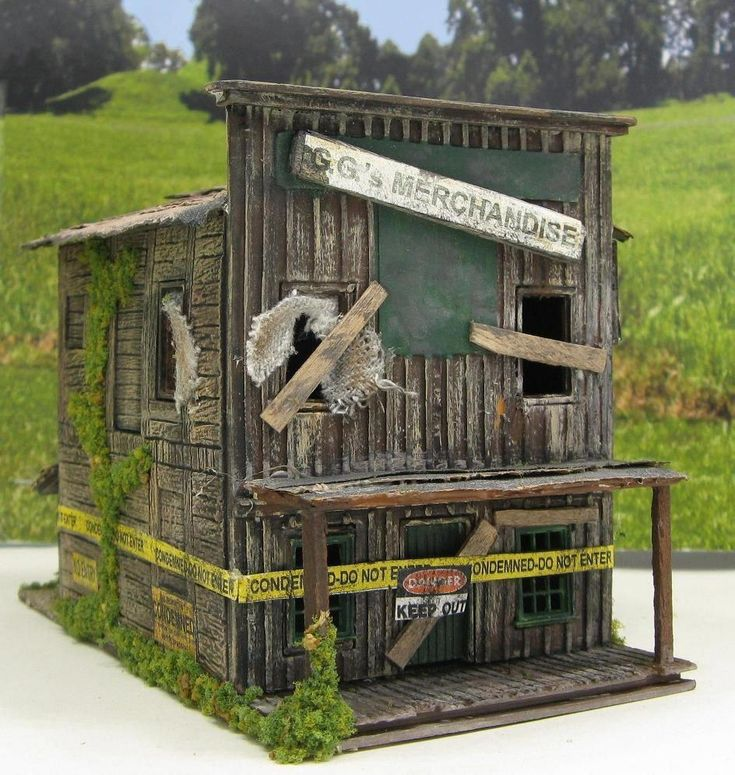 Haunted Halloween Store~ HO Scale