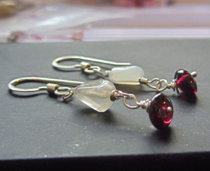 Boucles d'oreilles en argent et grenat de Bijoux de Luxe Kalicat - Artisan createur sur DaWanda.com