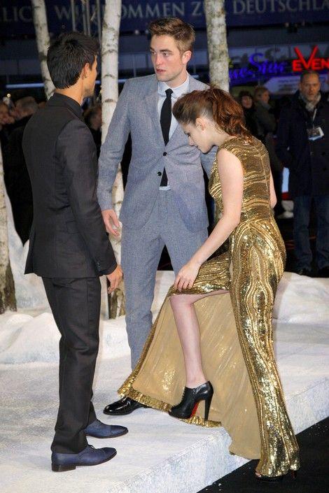 Robert Pattinson Takes Break From Kristen Stewart - Permanent Vacation?