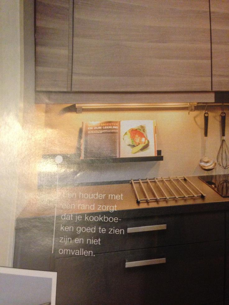 Kookboek houder voor in de keuken