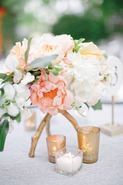 Flowers: Amy Osaba Events | Photography: Jeremy Harwell: Classic Southern, Inspiration, Wedding Ideas, Blush And Gold Wedding Colors, Southern Weddings, Peach, Floral, Center Piece, Classic Wedding Centerpieces