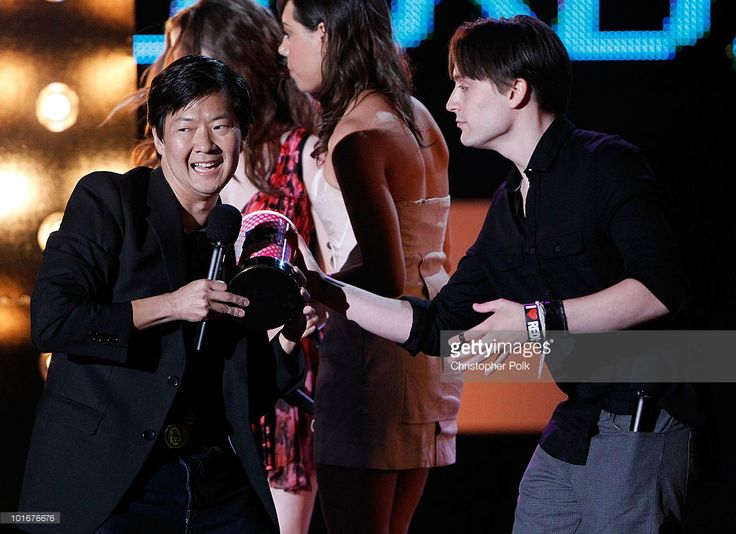 Kieran Culkin (R) presents Ken Jeong the WTF award onstage at the 2010 MTV Movie Awards held at the Gibson Amphitheatre at Universal Studios on June 6, 2010 in Universal City, California.