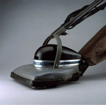 Henry Dreyfuss, Vacuum Cleaner, Model 150, 1935_