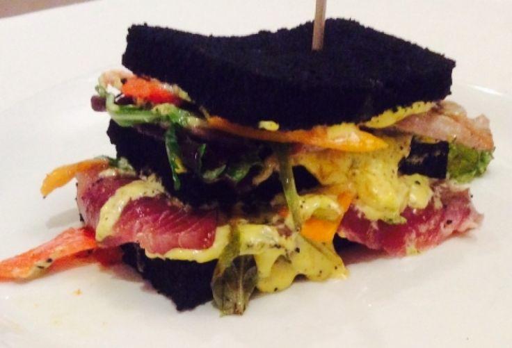 Club Wasabi Sandwich di Tonno cotto e crudo .
