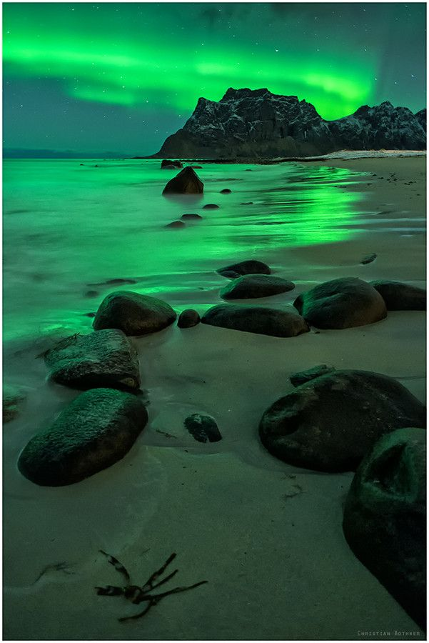 Northern lights over the beach - Uttakleiv, Lofoten, Norway