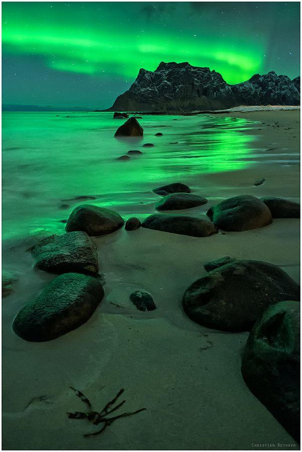 Northern lights over the beach - Uttakleiv, Lofoten, Norway