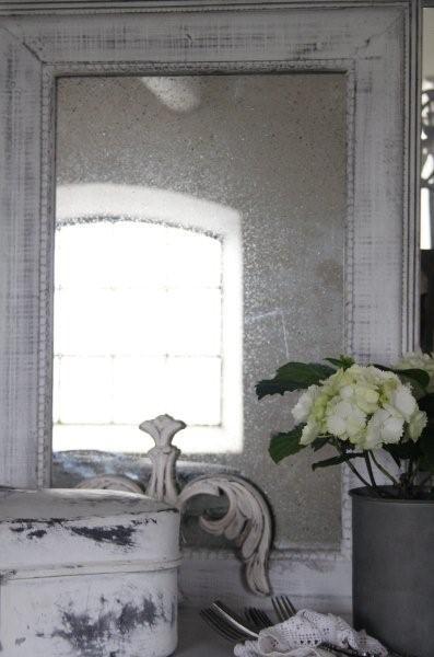 Beautiful weathered mirror, almost brocante, of Jeanne d'Arc Living - Prachtige verweerde, bijna brocante,  spiegel van Jeanne d'Arc Living